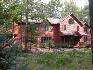 7 bedroom family vacation-luxury, fun, comfort - Pocono Pines vacation rentals