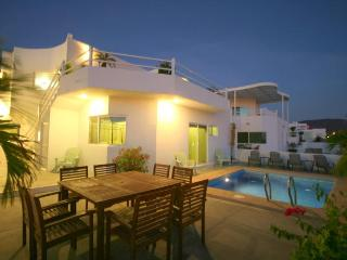 New Ocean Home with Private Pool, Perfect Location - La Paz vacation rentals