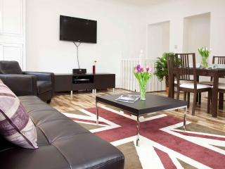 Perfect! Stunning! Central London 2 Bed Apt (P04) - London vacation rentals