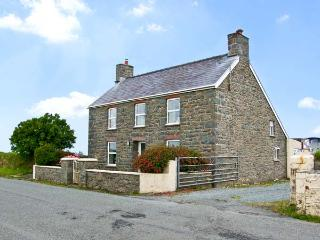 BANK HOUSE FARM, family friendly, character holiday cottage, with a garden in St Davids, Ref 5766 - Pembrokeshire vacation rentals