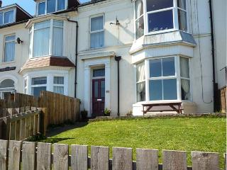 BAY VIEW APARTMENT, pet friendly, with a garden in Hornsea, Ref 9172 - Hornsea vacation rentals