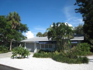 Anna Maria Island beach house 250 ft to Gulf beach - Holmes Beach vacation rentals