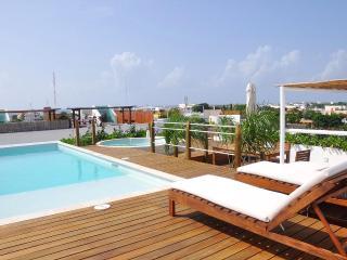 2-Bedroom, Solarium, Pool, Jacuzzi + View-LPP201 - Playa del Carmen vacation rentals
