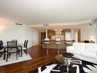 D19 - Luxury 2 bedroom at the Shangrila - Vancouver vacation rentals