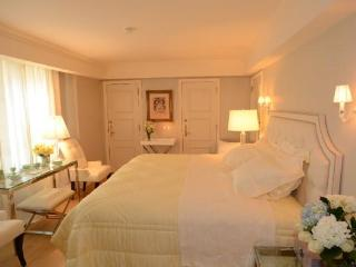 Standard Bedroom Residence (Suite 1162) - New York City vacation rentals