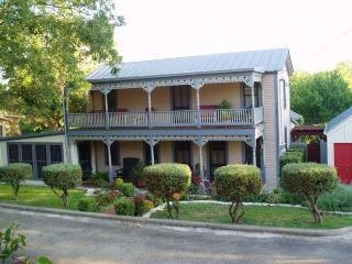 Cyclismo - Suite 3 - Fredericksburg vacation rentals