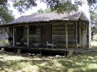 Grape Creek Bungalow - Fredericksburg vacation rentals