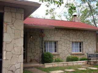 Sam Houston's Retreat - Fredericksburg vacation rentals