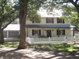 Wildblumen: The Main House - Comfort vacation rentals