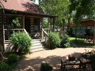 Baines House - Jenny's Cabin - Fredericksburg vacation rentals