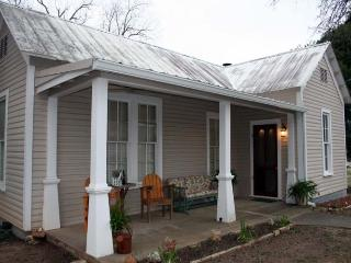 High Street Guesthouse - Pipe Creek vacation rentals