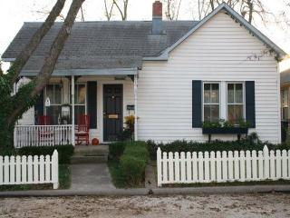 Honeysuckle and Roses - Fredericksburg vacation rentals