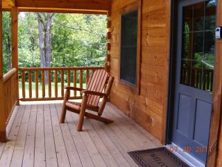 Log cabin in French Lick IN hot tub full kitchen - French Lick vacation rentals