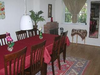 Cap.Hill Luxury3BR1.5 BA-StepsToCapitol&UnionStatn - Washington DC vacation rentals