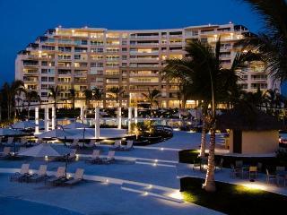 Beachfront Bucerias - DelCanto Private Residences - Nuevo Vallarta vacation rentals