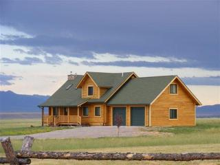 Beautiful Log Cabin Getaway in Ennis, Montana - Virginia City vacation rentals