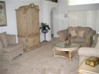 Family Room - BUDGET 4 Bedroom Pool Home, $110 a Night All Year - Kissimmee - rentals