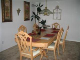 Dinning Area - BUDGET 4 Bedroom Pool Home, $110 a Night All Year - Kissimmee - rentals