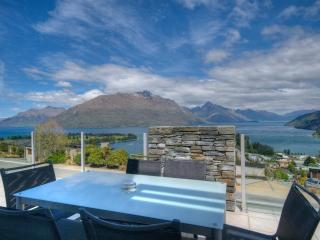 Eagles Rest luxury apartment Queenstown NZ - South Island vacation rentals