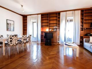 Regina Giovanna - 2354 - Milan - Province of Milan vacation rentals