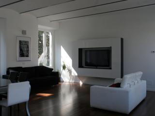 Gorgeous Cernobbio Apartment on Lake Como - Cernobbio vacation rentals