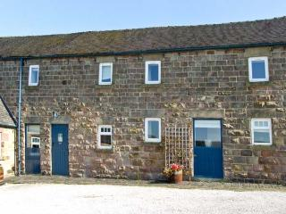 BROCKSOPP COTTAGE, pet friendly, character holiday cottage, with a garden in Shottle, Ref 9209 - Derbyshire vacation rentals