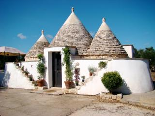 Trullo della Pace, Salento, Puglia, magnificent historical trullo - Rosa Marina vacation rentals