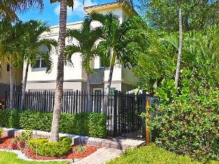 Fort Lauderdale's Most Popular Vacation Home-POOL! - Fort Lauderdale vacation rentals