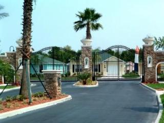 BEAUTIFUL 4 BED, 3 BATH WITH PRIVATE HEATED POOL - Davenport vacation rentals