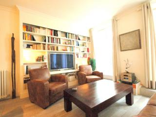 Paris Apartment in Le Marais - Montorgeuil 1 - Paris vacation rentals
