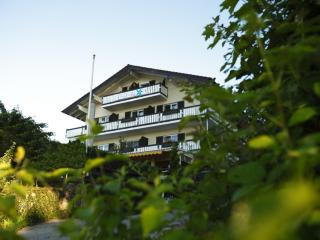 LLAG Luxury Vacation Apartment in Gstadt am Chiemsee - 861 sqft, new, elegant, relaxing (# 802) - Gstadt am Chiemsee vacation rentals