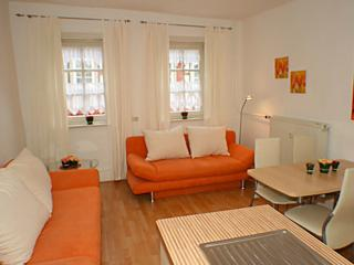 Vacation Apartment in Wetzlar - 431 sqft, centrally located, exceptionally beautiful, modern (# 4) - Butzbach vacation rentals