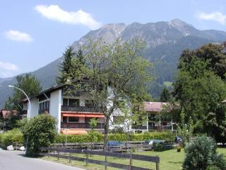 Vacation Apartment in Oberstdorf - 775 sqft, central, quiet, internet (# 2018) - Oberstdorf vacation rentals