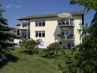 LLAG Luxury Vacation Apartment in Oberscheidweiler - 807 sqft, beautiful setting, completely furnished,… - Oberscheidweiler vacation rentals