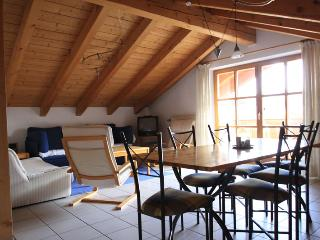 Vacation Apartment in Mittenwald - 775 sqft, great mountain views, recently renovated, balcony (# 889) - Bavarian Alps vacation rentals