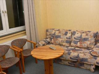 Vacation Apartment in Bochum - 667 sqft, central, affordable, quiet (# 1719) - Bochum vacation rentals