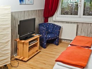Vacation Apartment in Greifswald - 377 sqft, balcony, great view, fully outfitted kitchen (# 1117) - Stralsund vacation rentals