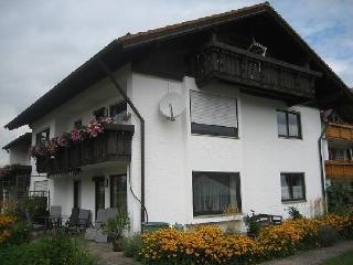 Vacation Apartment in Schwangau - 861 sqft, terrace, bike storage, carport (# 1246) - Bad Hindelang vacation rentals