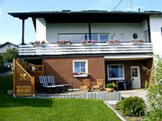 Vacation Apartment in Reifferscheid - 431 sqft, spacious living room, terrace, large backyard with play… #1088 - Vacation Apartment in Reifferscheid - 431 sqft, spacious living room, terrace, large backyard with play… - Reifferscheid - rentals
