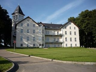 Vacation Apartment in Hohen Niendorf - 635 sqft, exclusive living of highest class, view of the park… - Bastorf vacation rentals