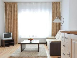 Vacation Apartment in Düsseldorf - central, comfortable, WiFi (# 2017) - Düsseldorf vacation rentals