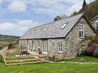 BRONNYDD, TYDDYN YSGUBOR, family friendly, character holiday cottage, with a garden in Bala, Ref 6753 - Gwynedd- Snowdonia vacation rentals