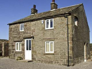 NEW COTTAGE FARM, family friendly, country holiday cottage, with a garden in Buxton, Ref 6069 - Hayfield vacation rentals