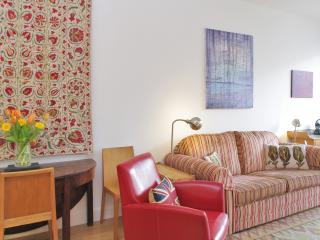 City - Super Two Bedroom by Farringdon Station - London vacation rentals