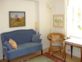 Vacation Apartment in Würzburg - 753 sqft, quiet, nice, central location (# 2164) - Prichsenstadt vacation rentals