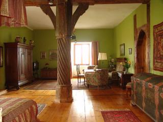 LLAG Luxury Single Room in Burgoberbach - 431 sqft, luxurious, rustic, comfortable (# 316) - Zandt vacation rentals