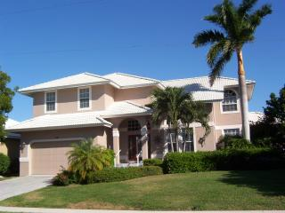 Bayfront Hse w/pool Walk 2 Beach Restaurants Shops - Marco Island vacation rentals