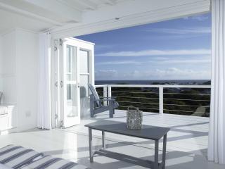 the White House Beach Villa - Darling vacation rentals