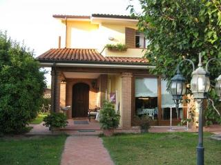 Cozy villa near thermal springs - Sant'Elena vacation rentals