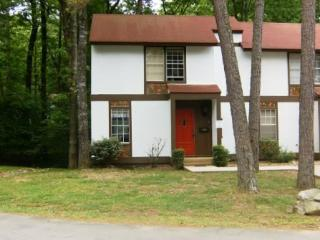 162LaViLn | DeSoto Courts |Townhouse|Sleeps 4 - Hot Springs Village vacation rentals